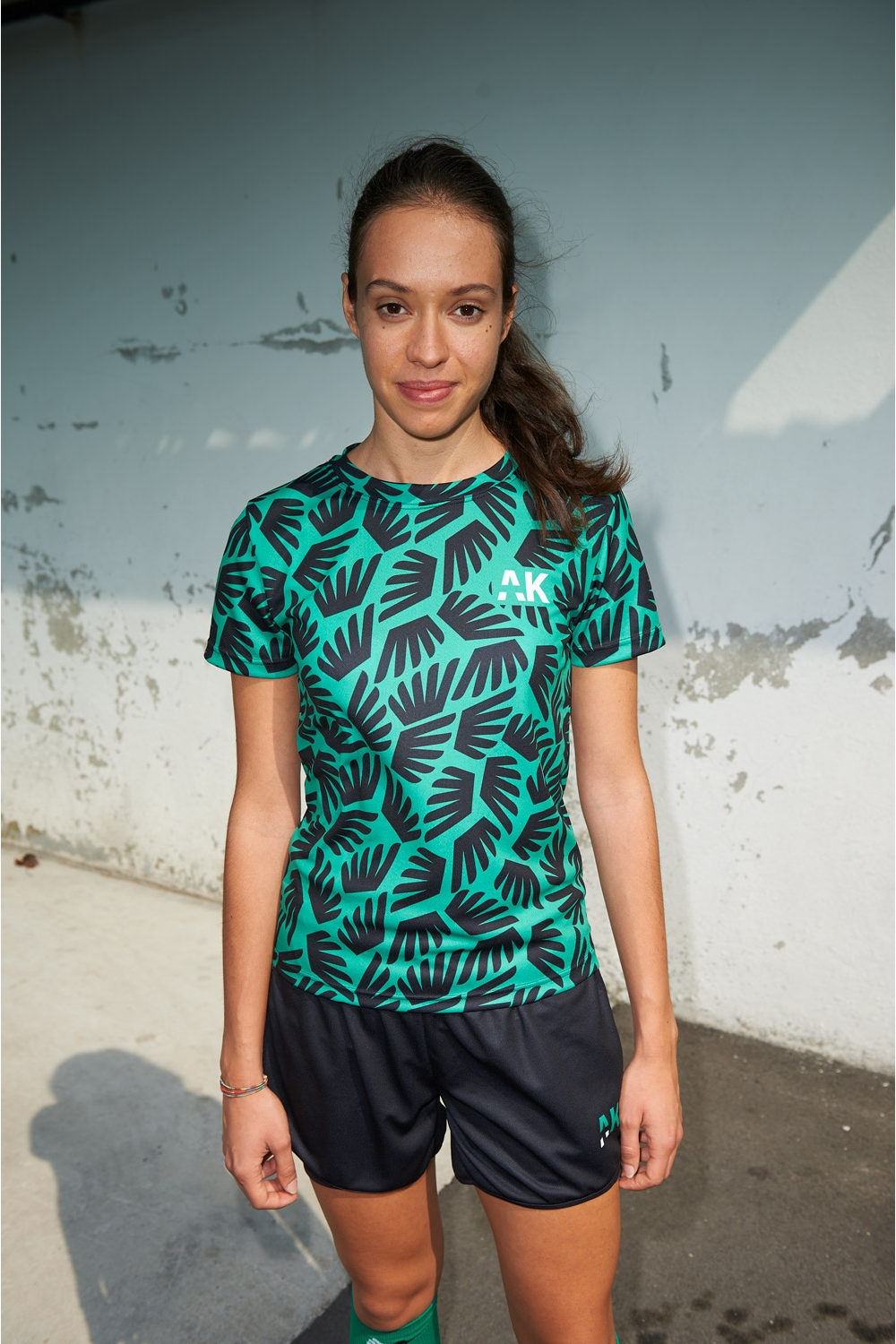 Suzanne Jersey - Winged Black & Green - Women's Football - Mid-distance front view