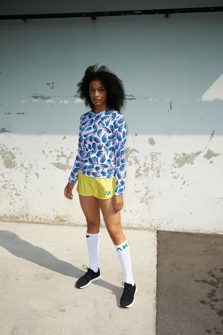 Maillot Gigi - Ailé Bleu & Violet - Football Femme - Vue de face 3/4