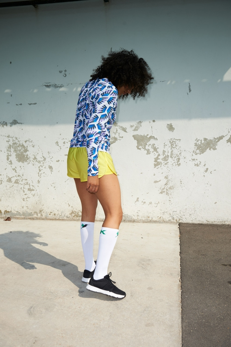 Maillot Gigi - Ailé Bleu & Violet - Football Femme - Vue de côté