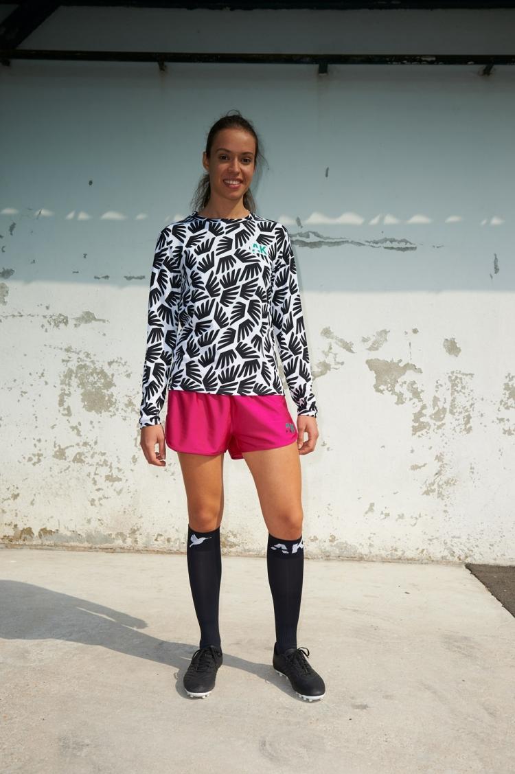 Maillot Gigi - Ailé - Football Femme - Vue de face éloignée