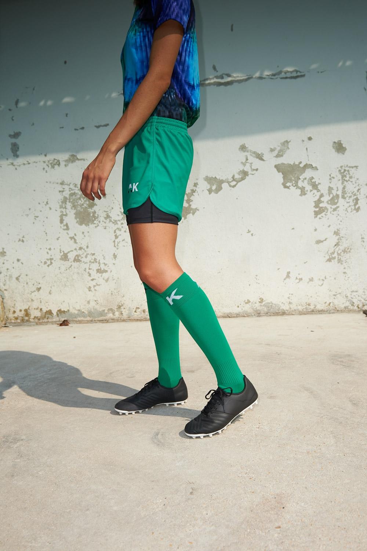 Short avec sous-short intégré Mia - Vert - Football Femme - Vue de côté