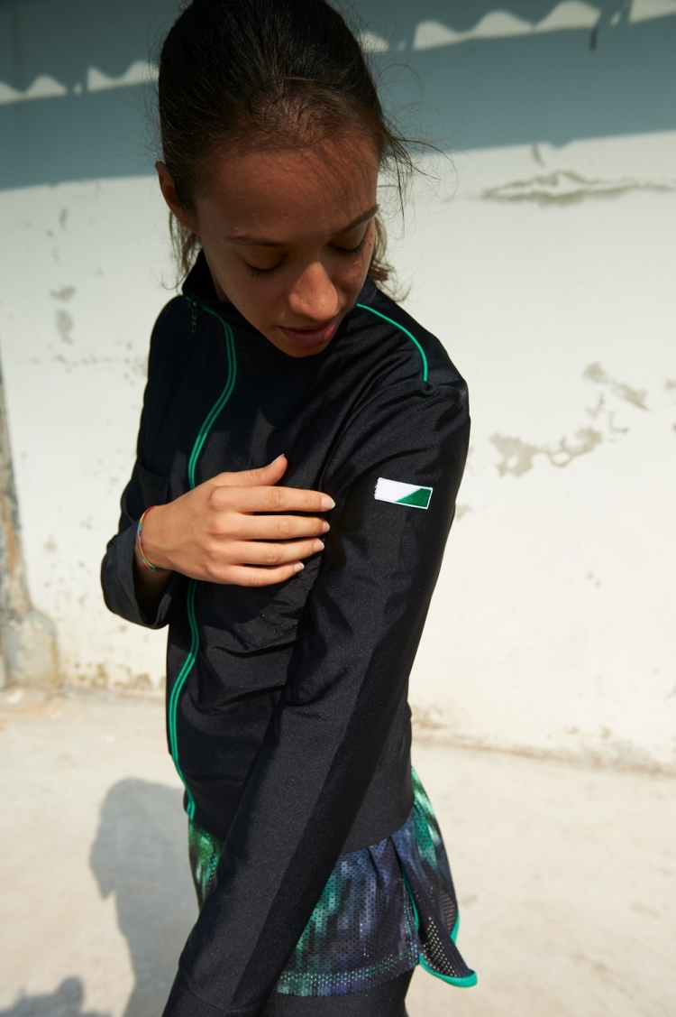 Lily Jacket - Black - Women's Football - Side view détail