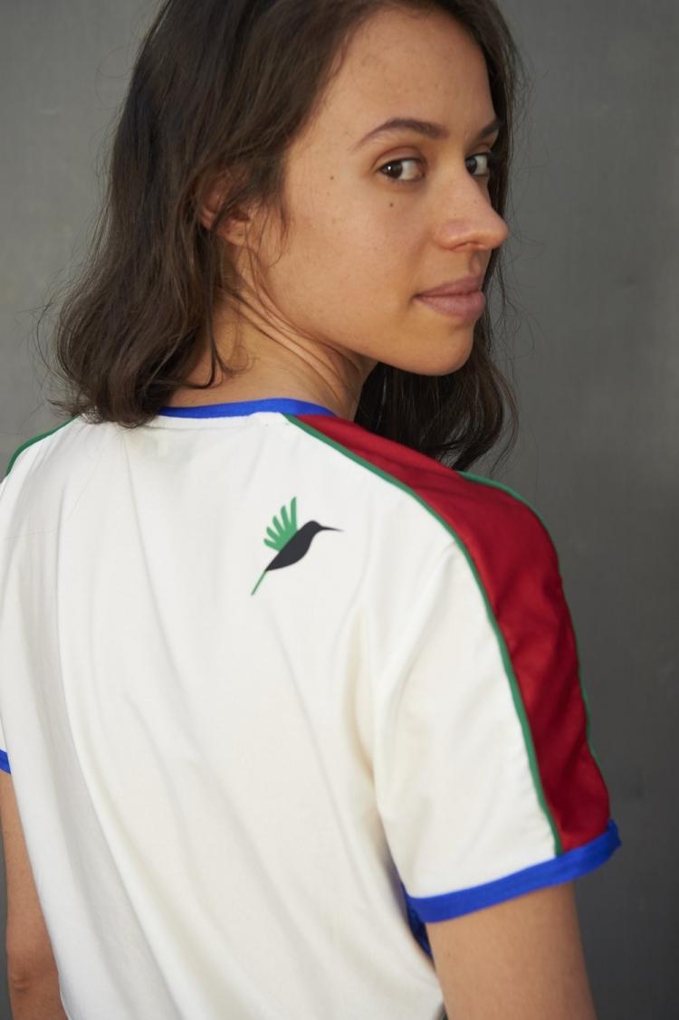 colibri sur le dos maillot foot